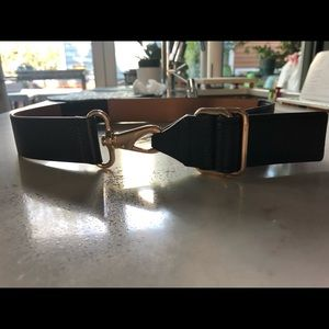XS/S BCBG MAXAZRIA black leather cinch belt